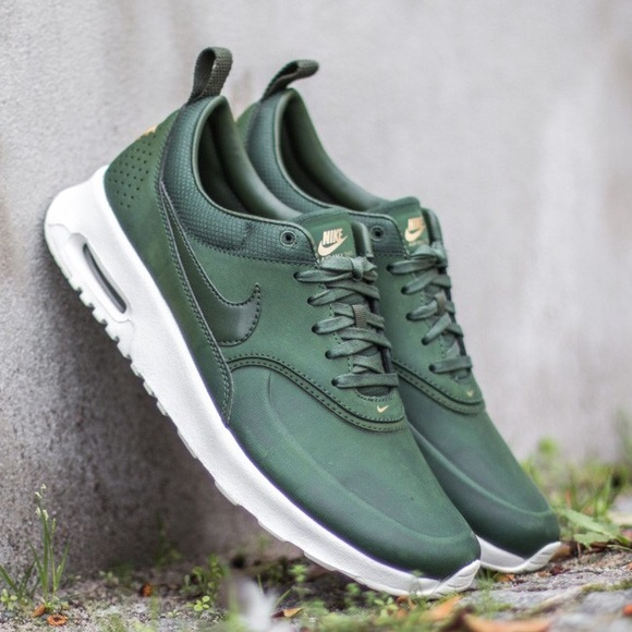 Nike Air Max Thea Carbon Green